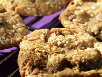 Chewy fruit and nut cookies