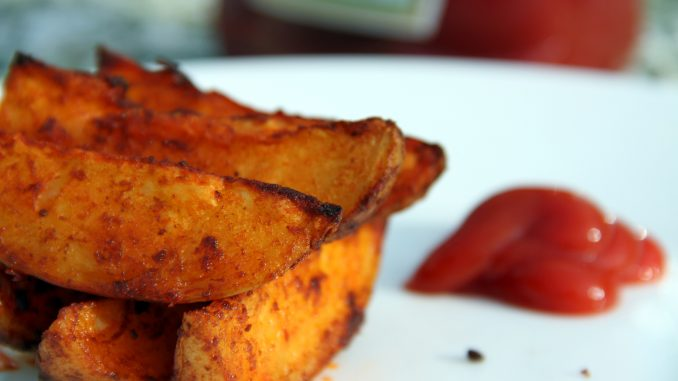 Spicy paprika wedges